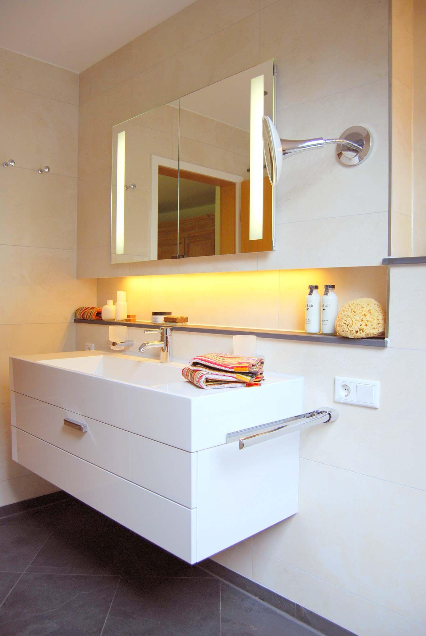 Pin Von Dan Droid Auf Wellnessbad Badezimmer Klein Spiegelschrank Badezimmer
