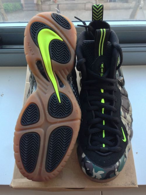 a71c47e3f8c Andrew Wiggins Sports A Camo Tee-Shirt   Nike Air Foamposite Pro Army Camo  Sneakers