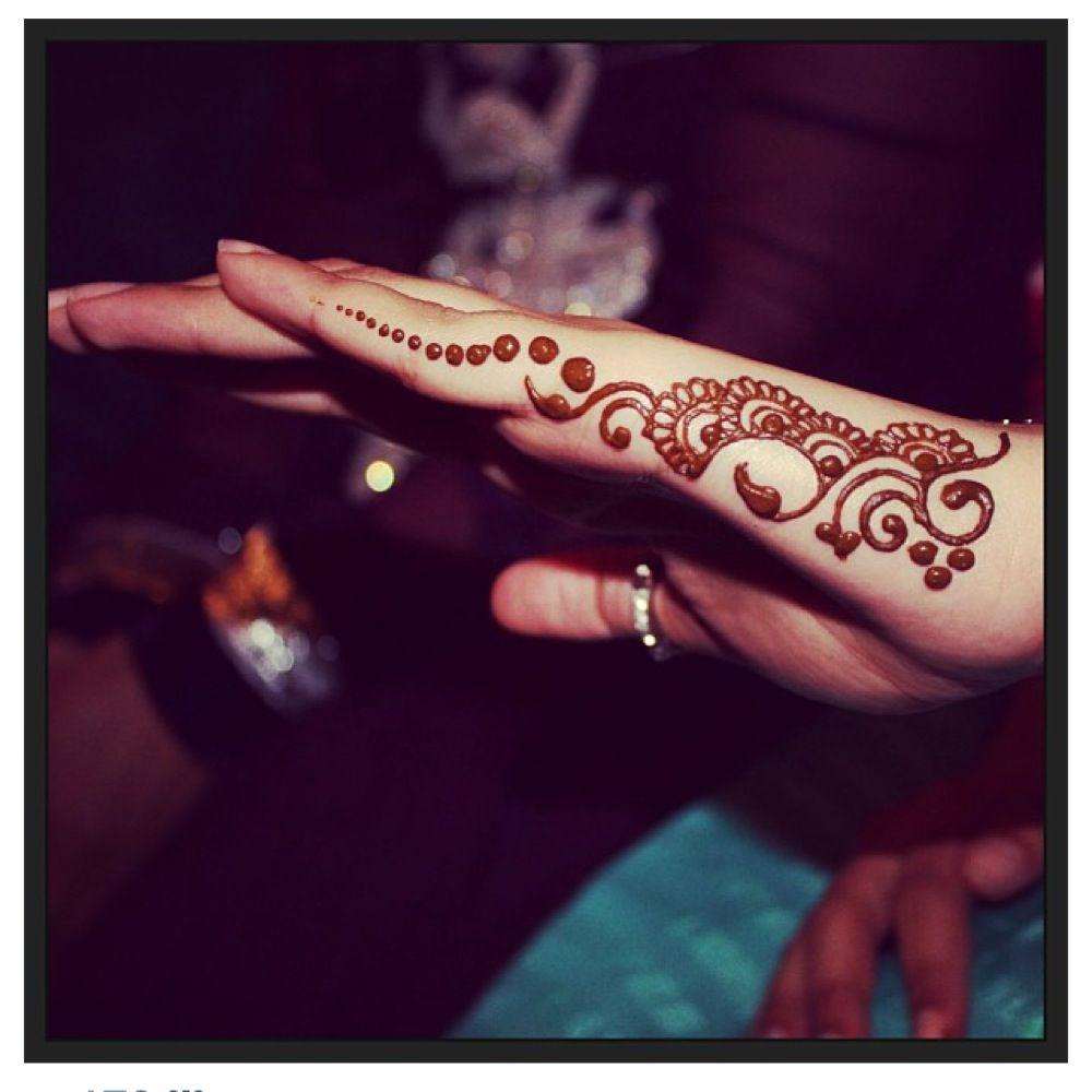 Mehndi For Back Side : Mehndi design back side hand makedes