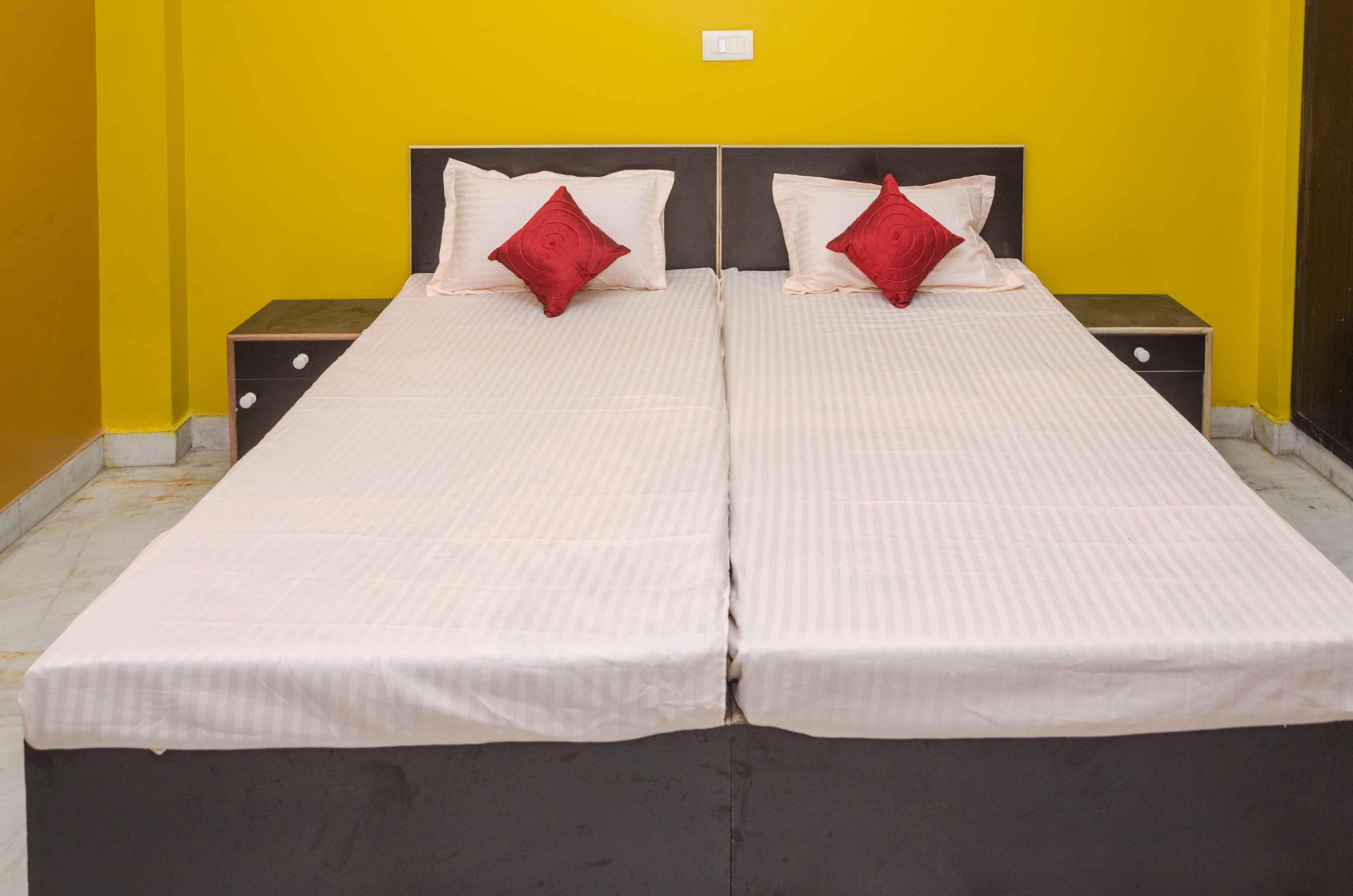 Bedroom 1 Flat Rent Rent Noida
