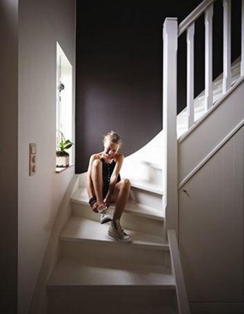choisir la bonne couleur pour le hall ou pour un couloir nest pas toujours facile dcouvrez nos conseils pour trouver la bonne peinture pour un hall ou un - Quelle Couleur Pour Une Cage D Escalier Sombre