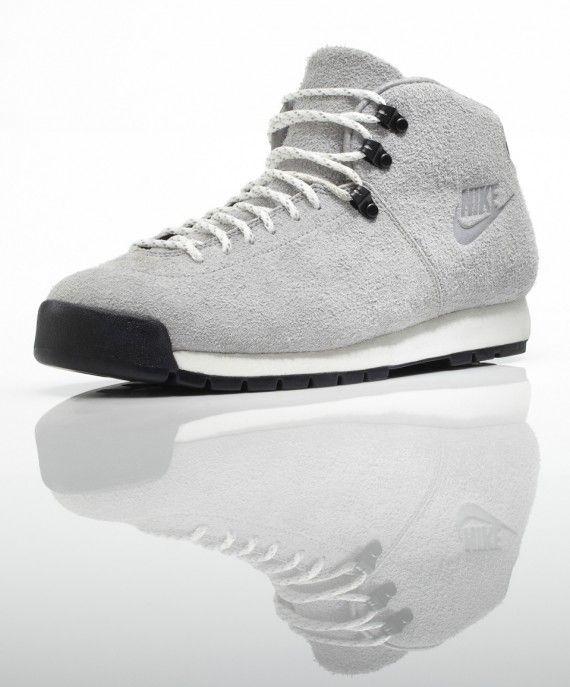 Nike Magma