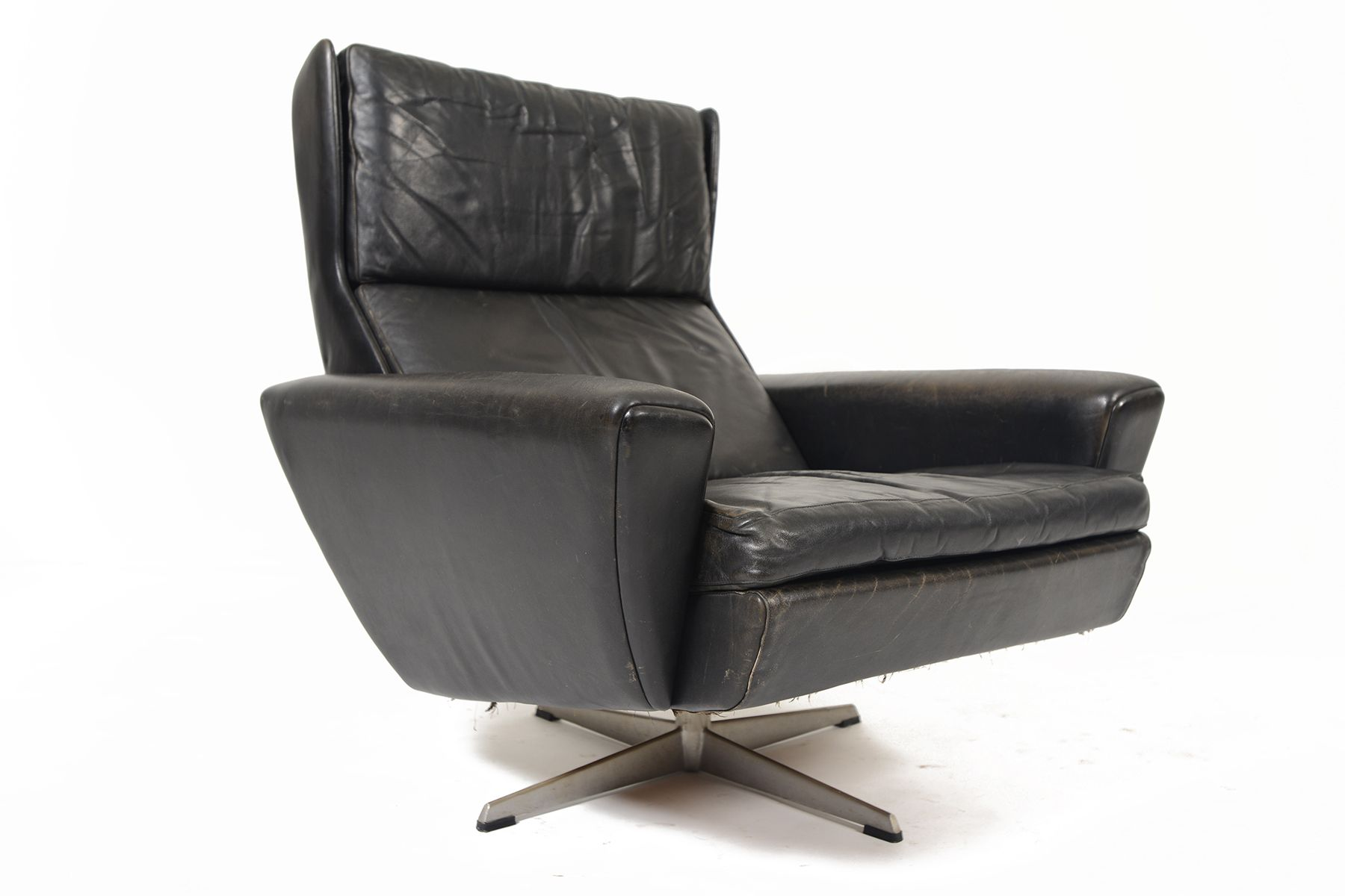 Peachy Georg Thams Highback Swivel Chair In Black Leather Mid Caraccident5 Cool Chair Designs And Ideas Caraccident5Info
