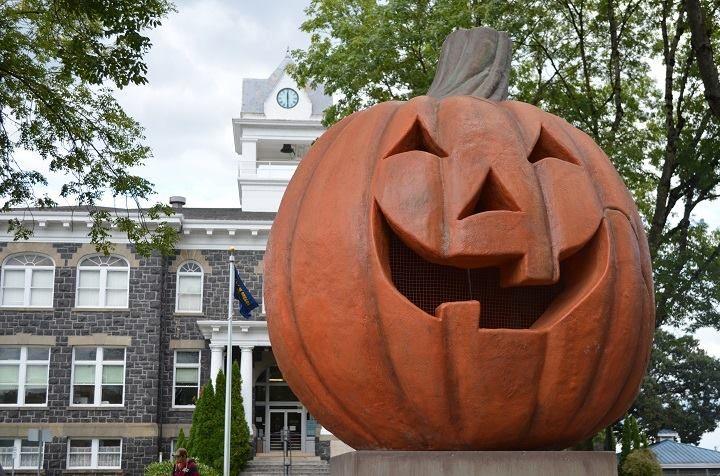 watch halloweentown online free