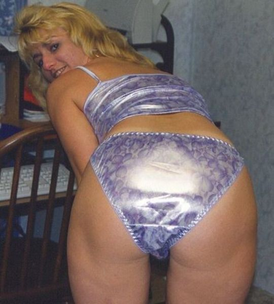 Skyblue panties for a lovely ass milf