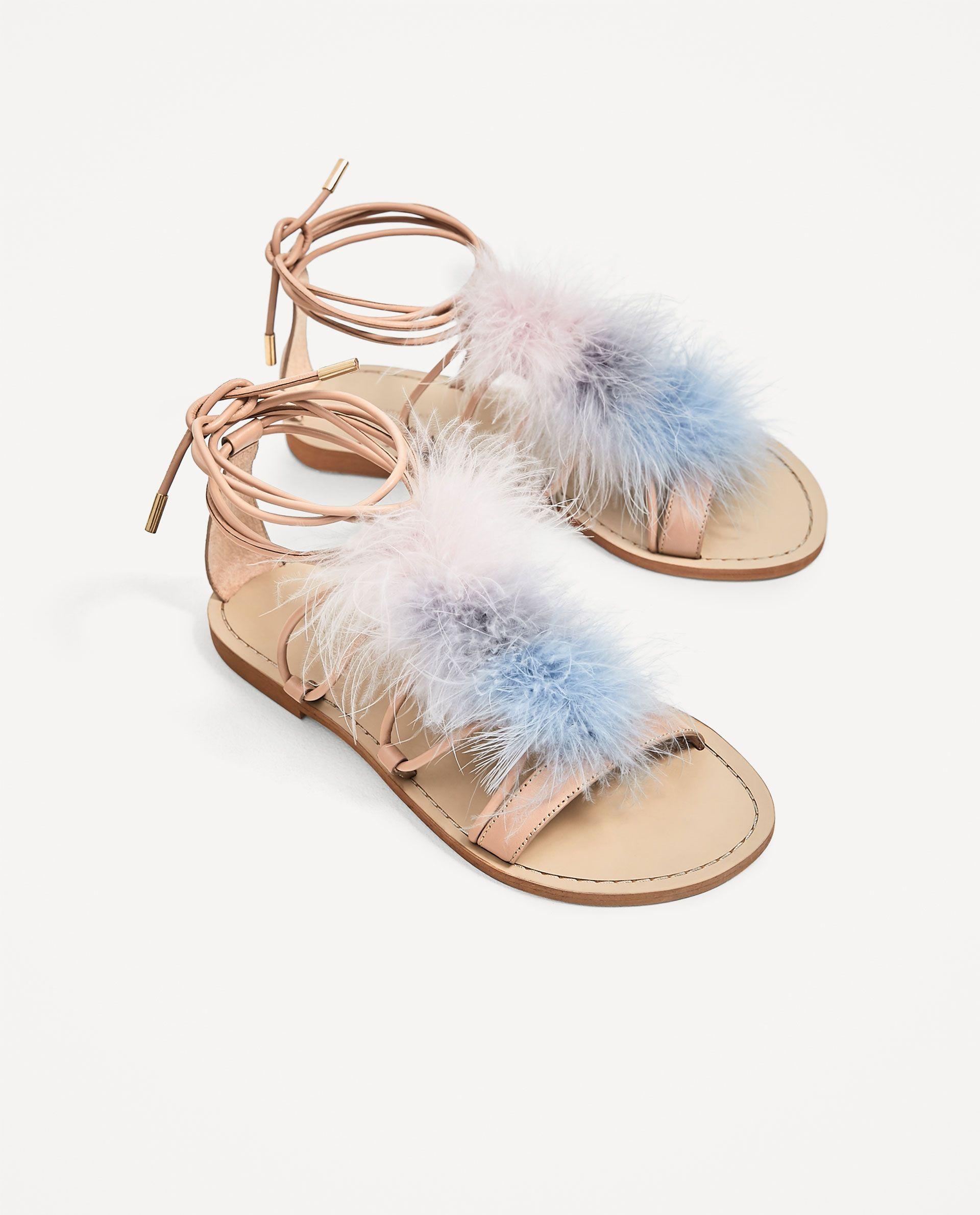 sandales plates en cuir À plumes | la mode, la mode, la mode