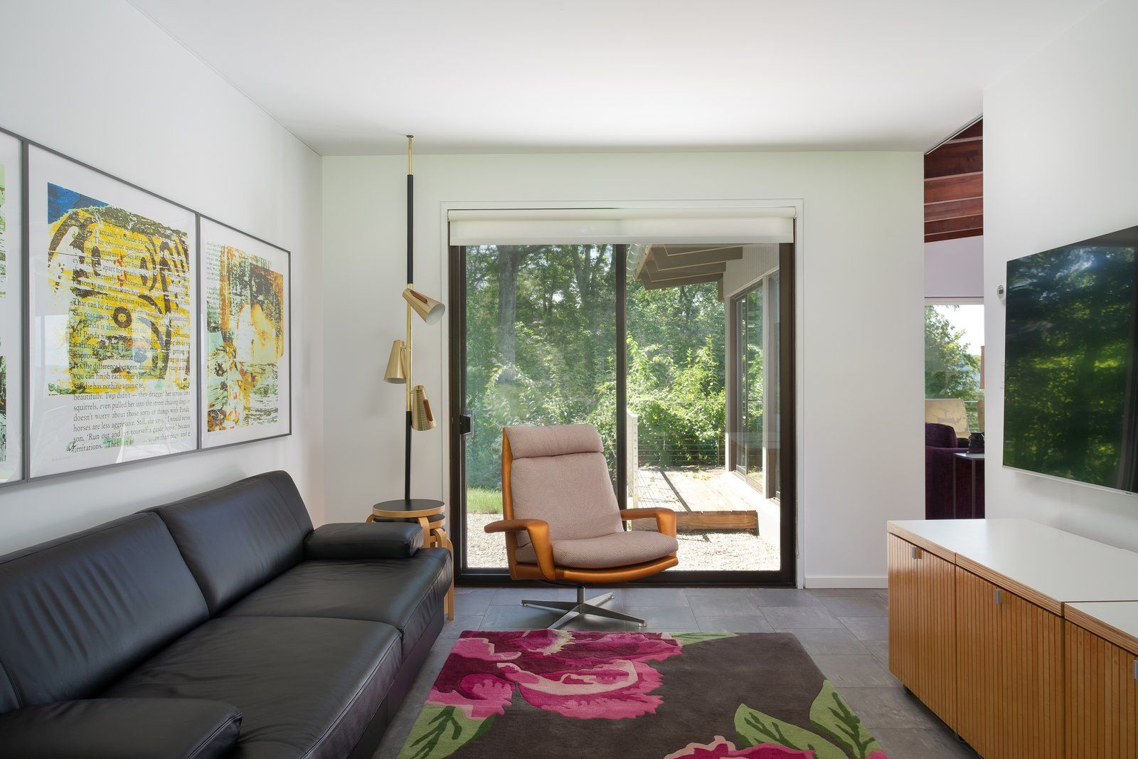 Photo 15 Of 23 In An Architect Lists His Connecticut Retreat And Living Room Design Modern Colourful Living Room Modern Homes For Sale