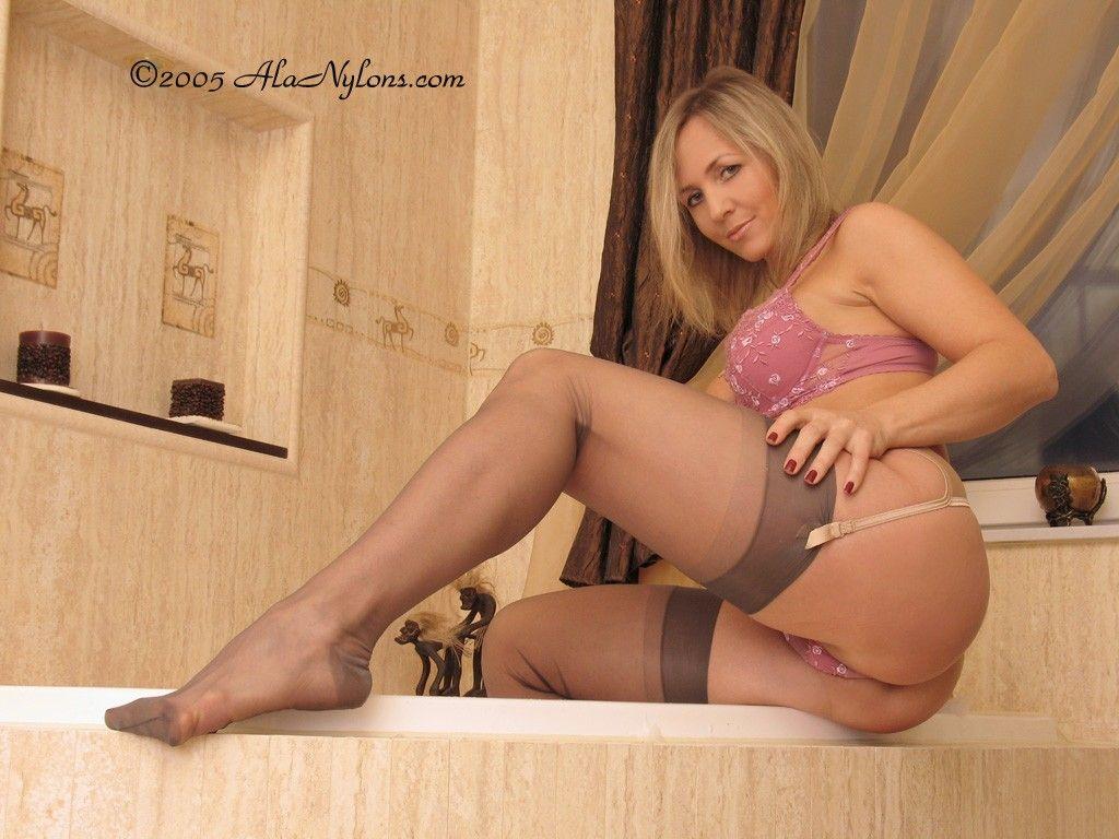 Pin On Sexy Legs