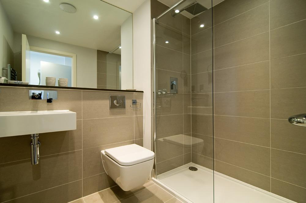 I Like The Big Mirror Sense Of Space And Can Be Heat Padded Shower Roomswalk