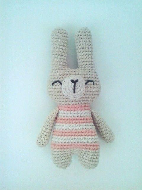 Conejo tejido a crochet Materiales: hilo 100% algodón, vellón ...