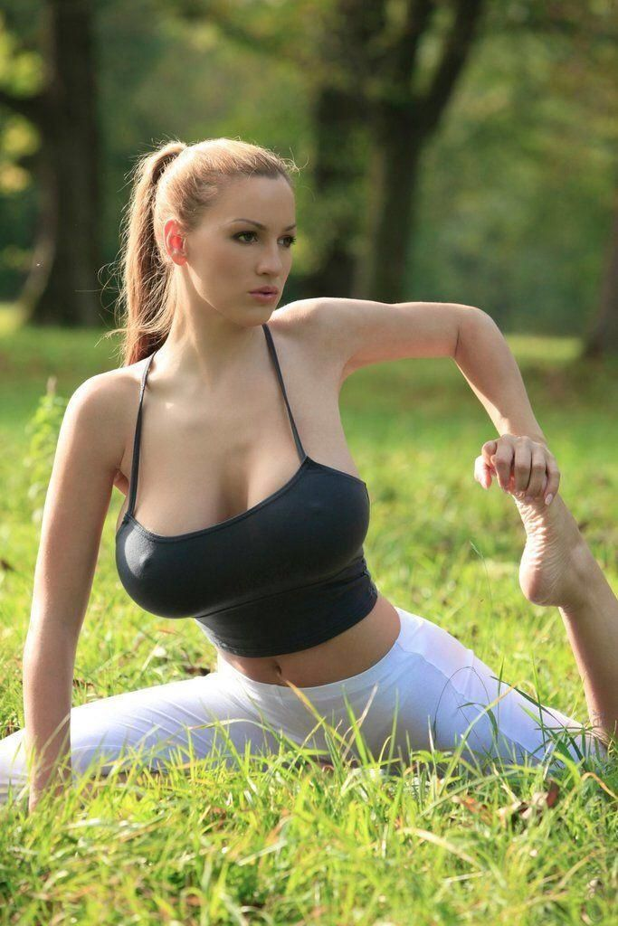 r girlsinyogapants