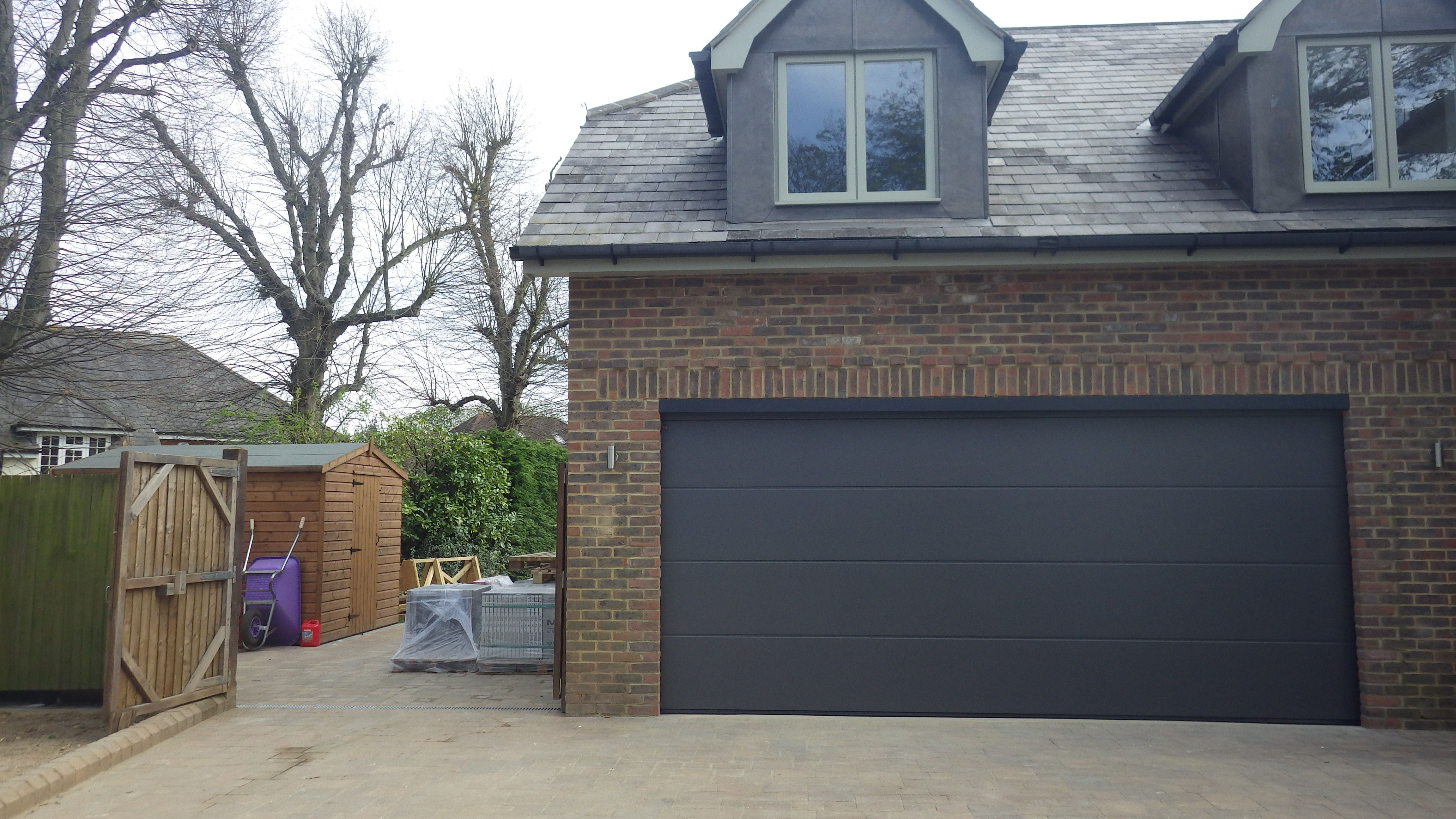 UK modified Hormann Sectional, 4822 x 2100mm LPU40, L-Ribbed Garage ...