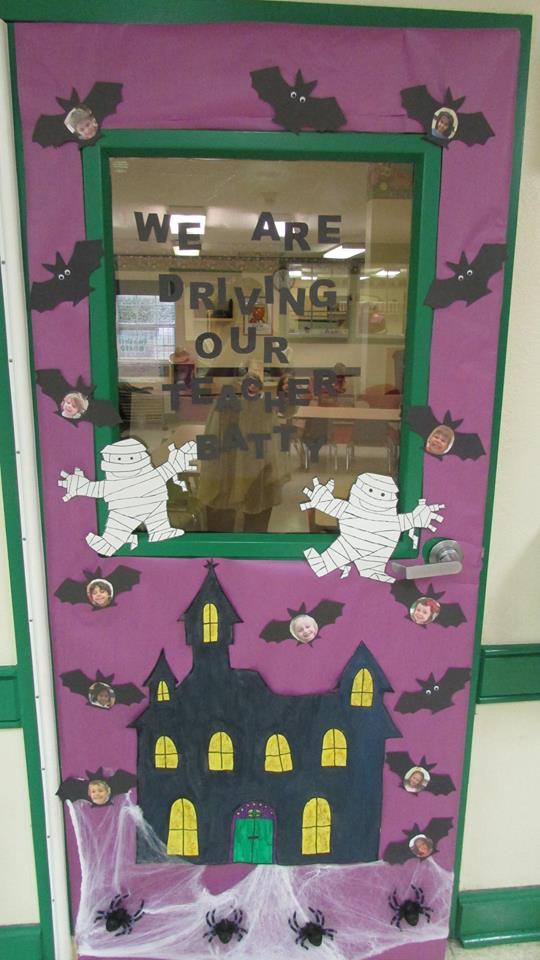#falldoordecorationsclassroom #halloweenclassroomdoor