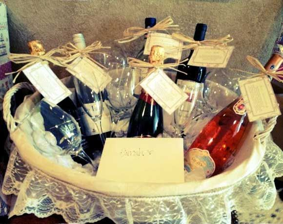 Homemade christmas gifts for family wine and dine click pic for homemade christmas gifts for family wine and dine click pic for 25 diy gift solutioingenieria Image collections