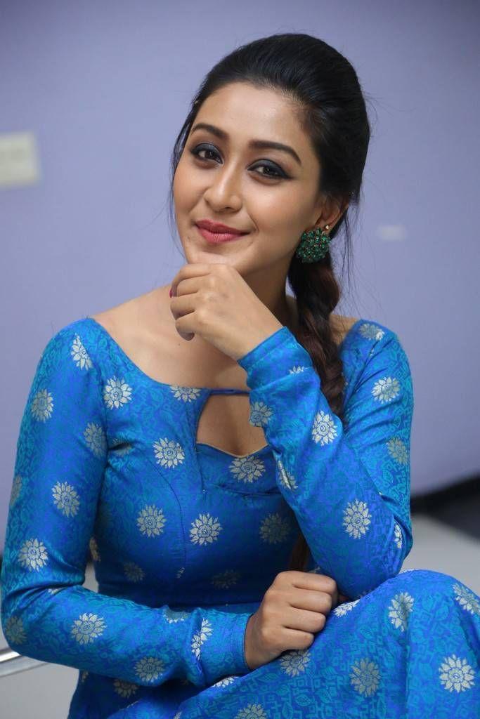 Telugu Actress Shravya Rao Stills At Vana Villu Movie ...