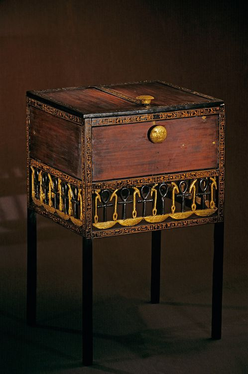 Decorative Chest With Long Legs Tutankhamun And The Golden