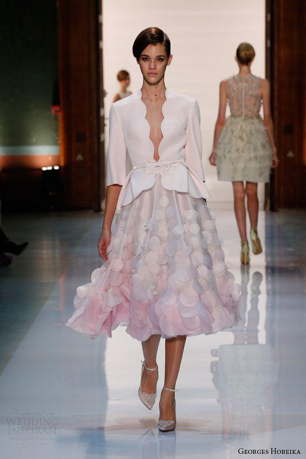 Com uma blusa por baixo, fica perfeito esse modelo de georges hobeika spring 2014 couture powder pink scalloped top