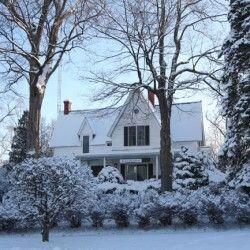 Friendly Accommodations Eleven Gables Inn Lake Geneva Wisconsin