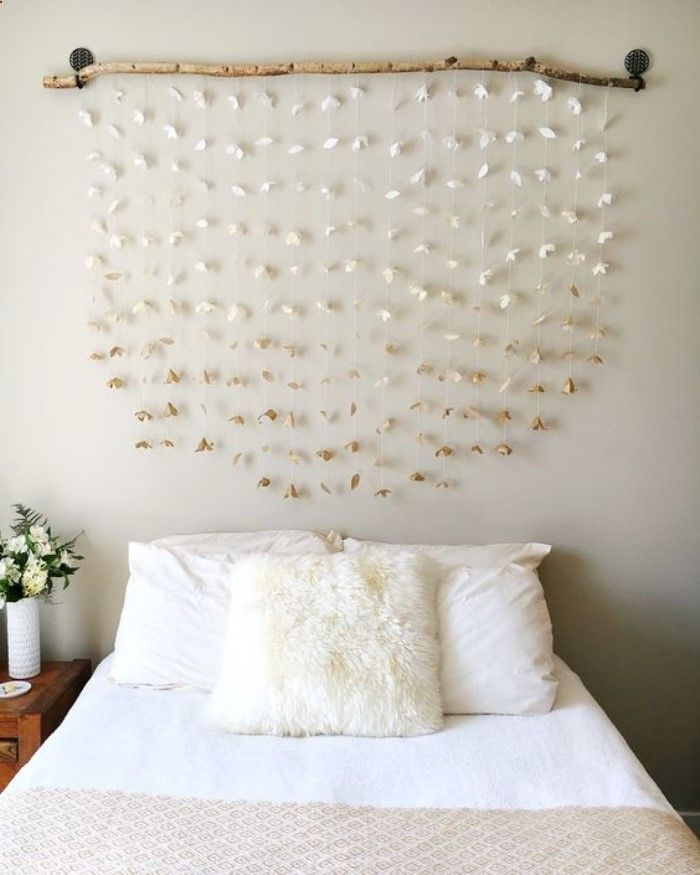 tete de lit a faire soi meme, bois flotté et guirlandes de papier ...