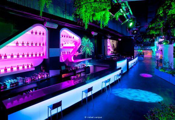 Blub longue club madrid interiorismo locales restaurante bar cafeter a club disco en - Ideas para discotecas ...