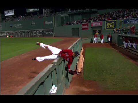 Mookie Betts Robs Chris Davis Home Run Insane Catch Red Sox Nation Mookie Betts Red Sox Baby