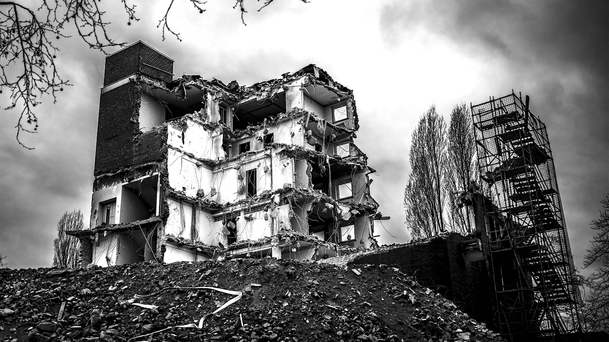 Ruine Bürogebäude Deutz AG, Köln Kalk, Kantstraße, 15.03.2015 um 14:53