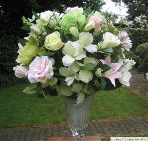 grote vazen met bloemen | Taormina: zijden bloemstukken, vazen en trouwerijen