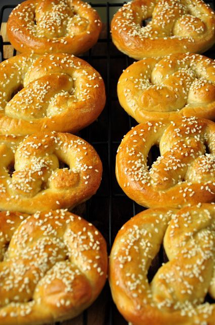 Homemade Soft Pretzels.... I'm going to need these in the next few months!