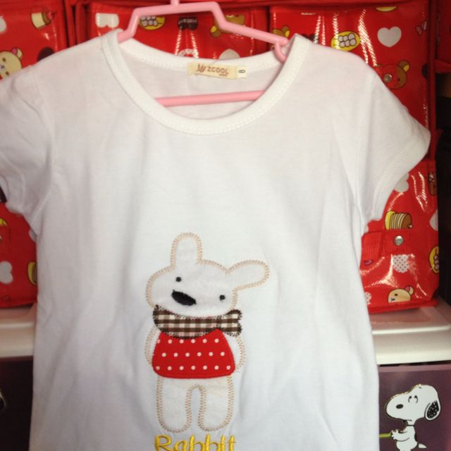 White Top with Rabbit 3-4 yrs S$12.90