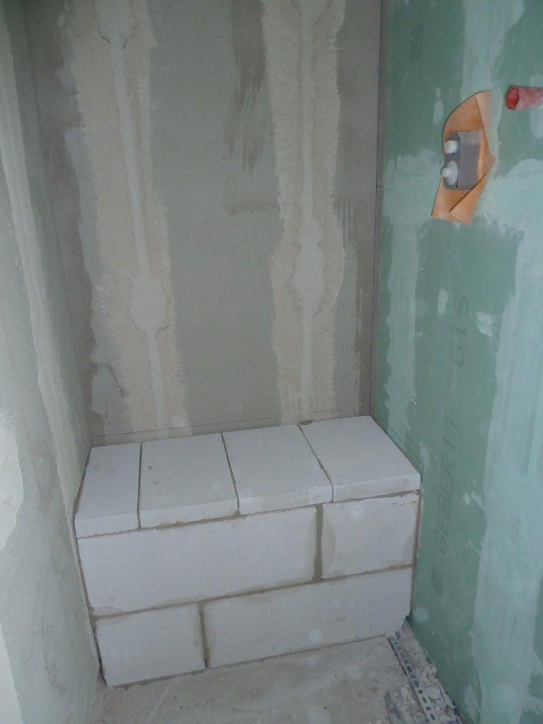 badezimmer mit fliesen in holzoptik. passend sitzbank in der, Garten und Bauten