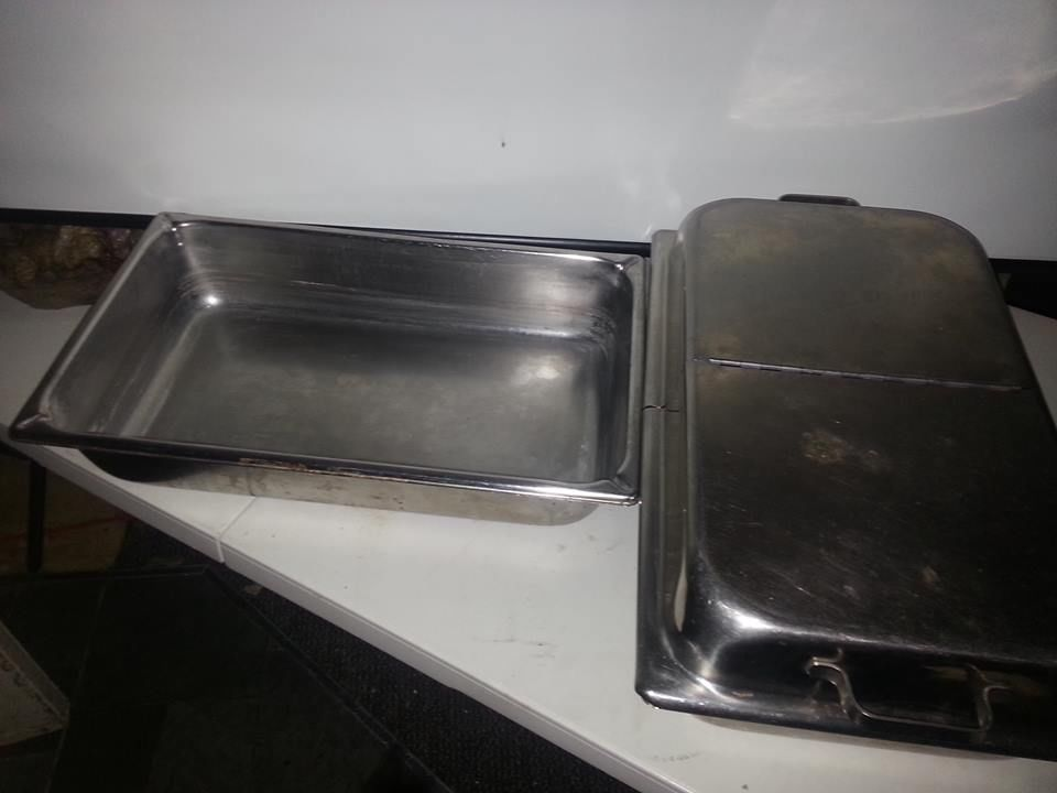 2 restaurant catering stainless baking serving pans 1 lid