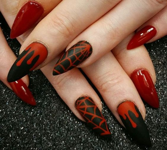 15 Fun Diy Halloween Nail Art Ideas Halloween Nails Easy Design Cute Goth Nails Halloween Acrylic Nails Halloween Nail Designs