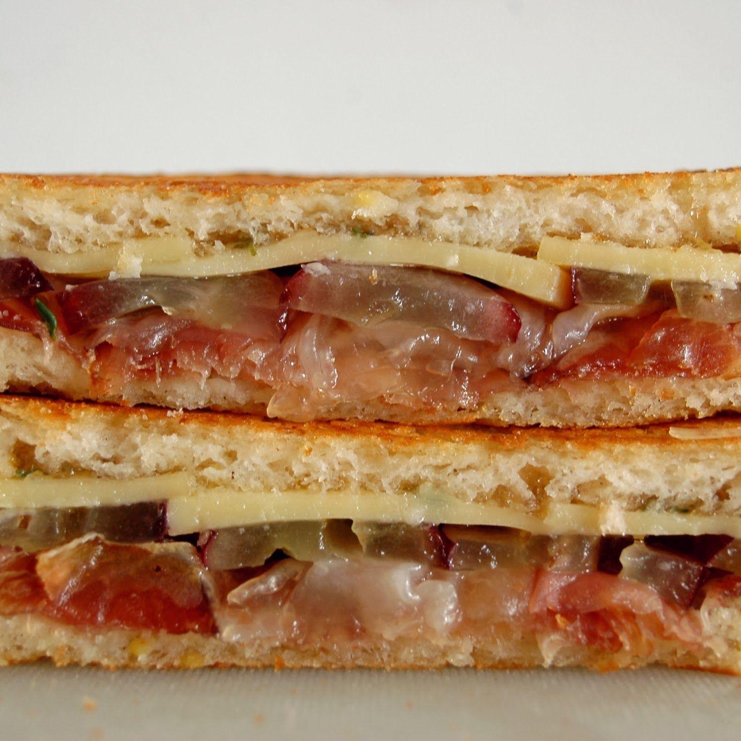 closeup, prosciuotto, grapes, cheese, gruyere, thyme, bergamot, gluten free, sandwich, sandwich porn, foodporn, food, food blog, glorious sandwiches