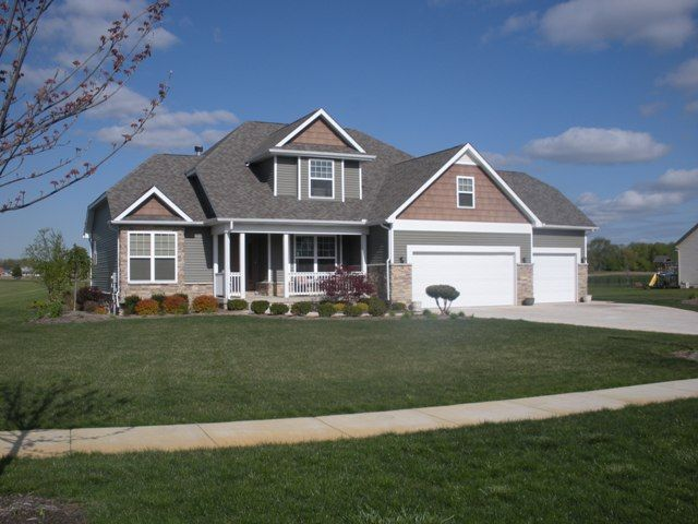 Best Cedar Shake Green Siding And White Accents Home 400 x 300