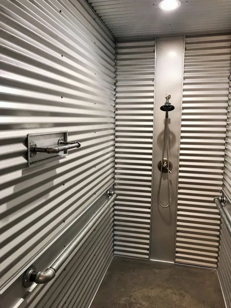 72 Container Home Bathroom With Rustic Interior 31 In 2020 Einrichtungsideen Einrichtung Just In Case