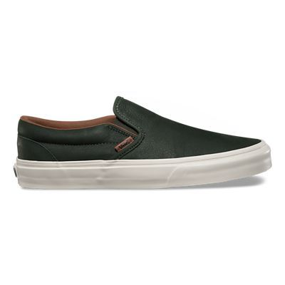 Kaufen Sie noch heute Premium Leather Slip-On Schuhe auf Vans.de. Der