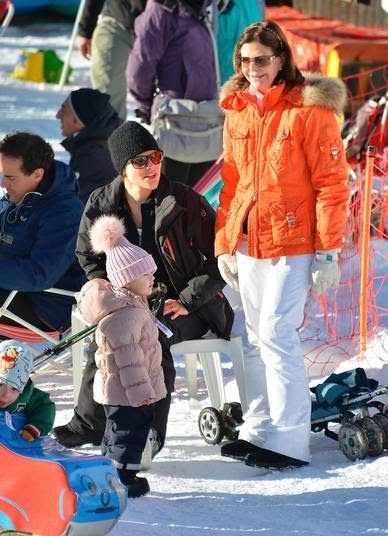 The giant, pink pom-pom on this hat worn by Princess Estelle of Sweden is too adorable!  I want one too!