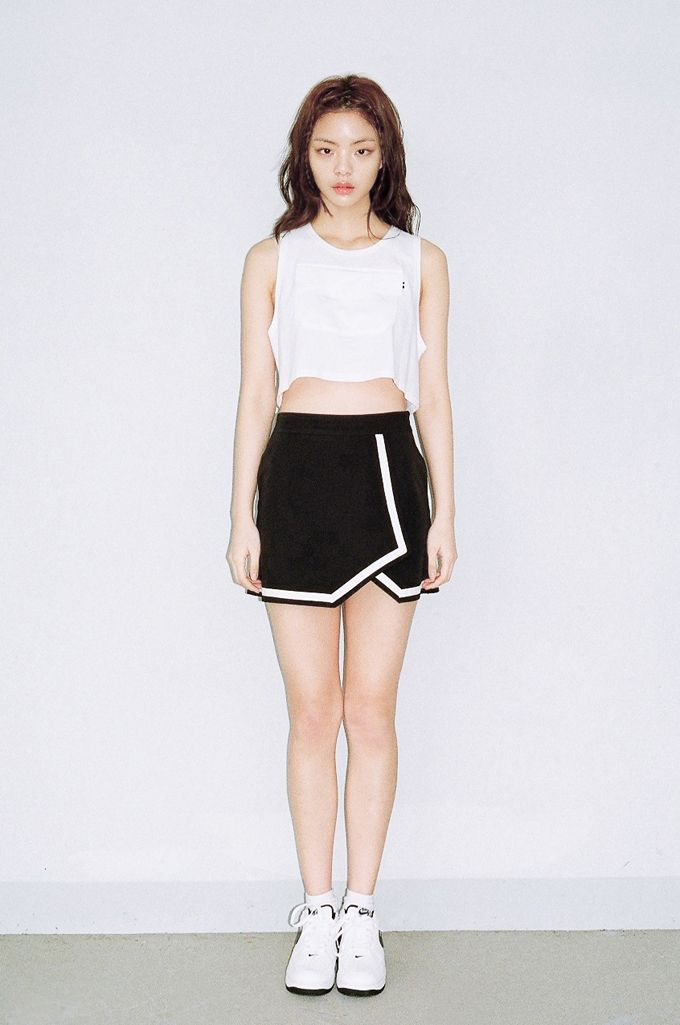 WHITE POCKET CROP TOP by O!Oi