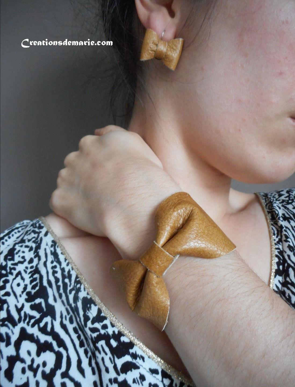 Parure bijoux créateur noeuds de cuir caramel, camel. : Parure par creationsdemarie
