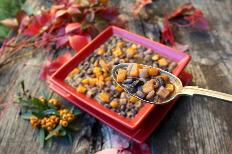 Этот вкусный и сытный суп я делаю очень часто и всегда по-разному . «Паста с фасолью» - традиционное блюдо итальянской кухни и других стран. Изначально оно…