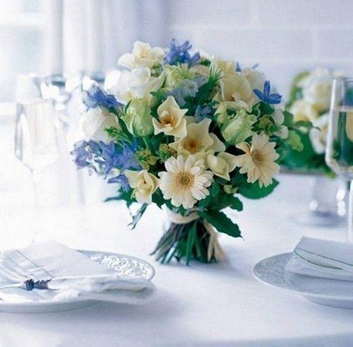 Einfache tischdeko frühling  Frühling Hochzeit Blumen Tisch Narzisse Flieder blumenstrauss ...