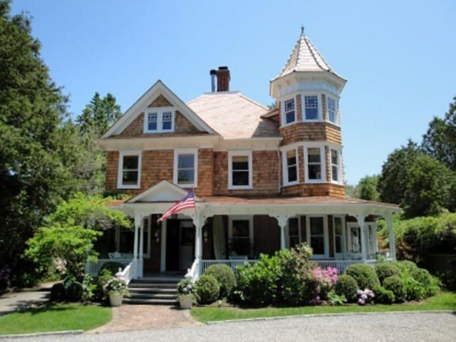 Beautiful Victorian Home 40 N Main St Southampton Ny 11968 Victorian Homes House Mansions Homes