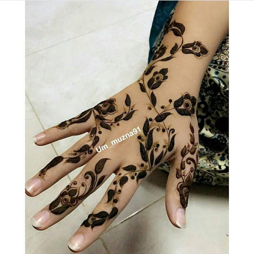 الله یسعد من حط لایک Um Muzna91 اكتبي اسم من اسماء الله الحسنى لعل الله يفرج به همك بنات عندها مسابق Modern Mehndi Designs Henna Designs Unique Mehndi Designs