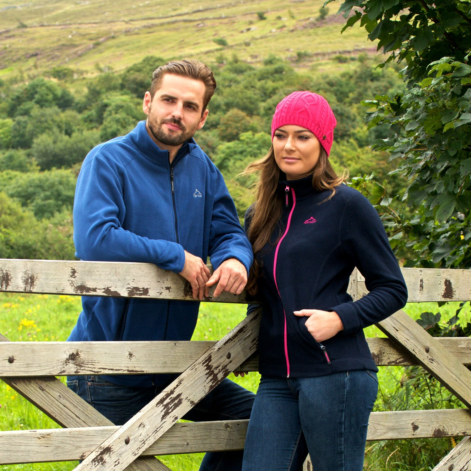 Portwest Lee Microfleece - MP51 The Lee Microfleece is perfect for taking the chill off a windy day. With a full zip, it's easy to grab and throw on as you're on the way out the door. #portwest #westport #ireland #outdoor #mensfleece #microfleece #hiking #walking #ladiesfleece