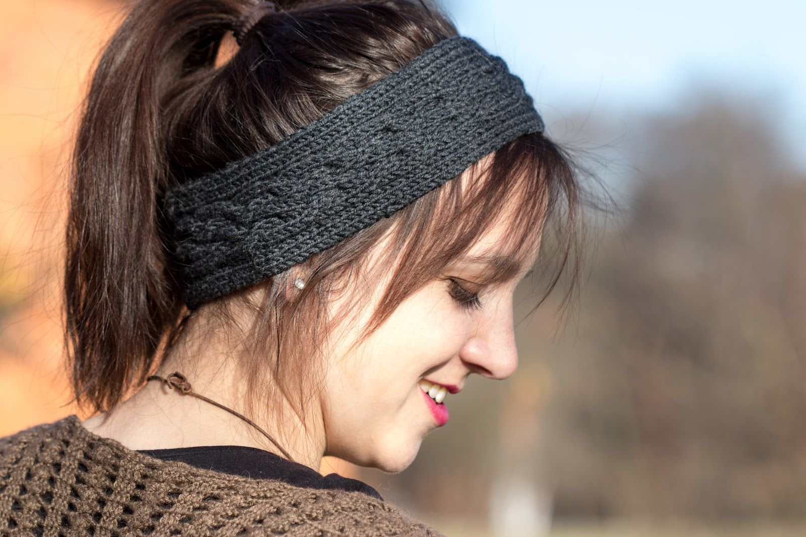 Stirnband mit Zopfmuster stricken | gestricktes Stirnband ...