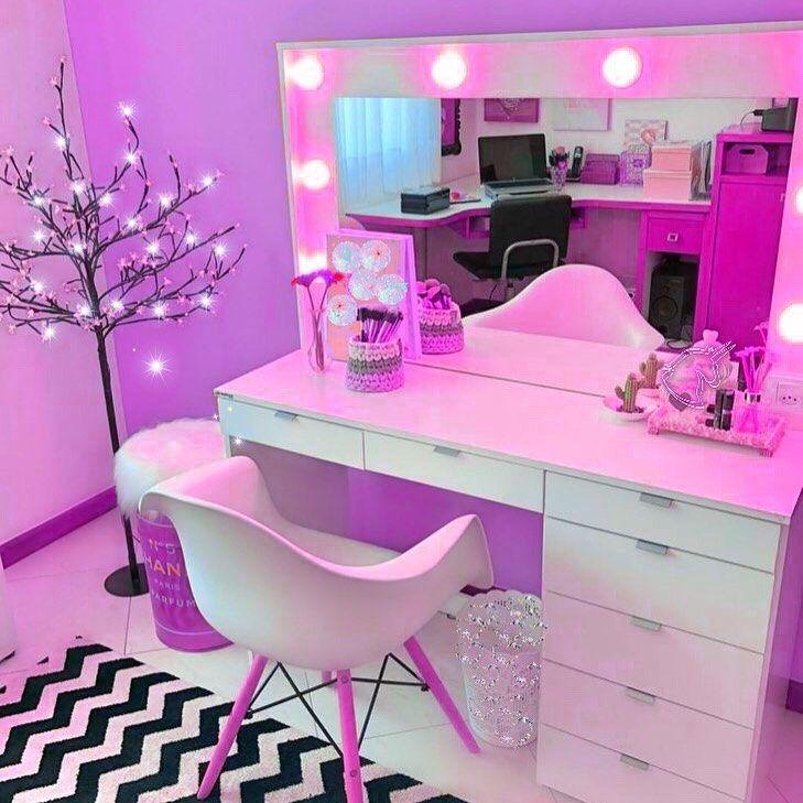 Nuestros consejos habitaciones juveniles con rayas Para Crear El Espacio De Sus Sueños - Tocadores modernos para habitaciones juveniles 2019 - 2020 ...
