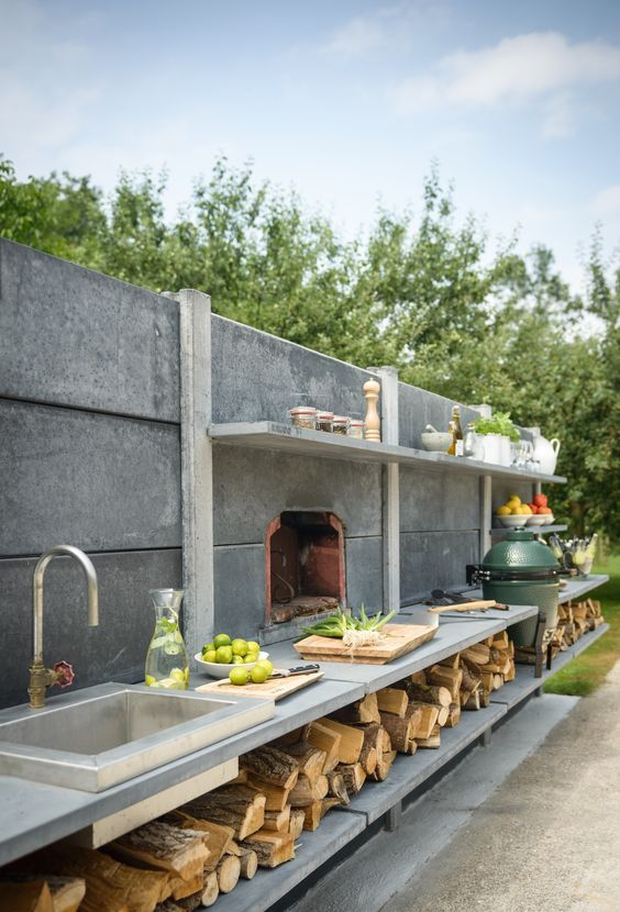 WWOO high, anthracite, outdoor kitchen with a stainless steel sink - evier exterieur en pierre