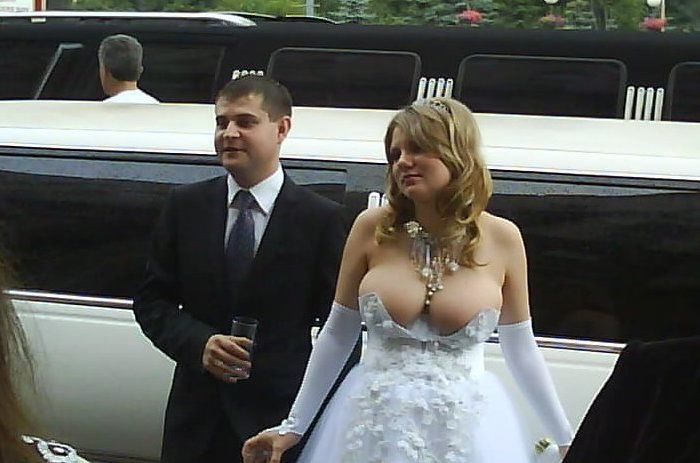 15 of the most hilariously bizarre wedding photos to ever capture the union of two weirdos. | Wedding | Someecards