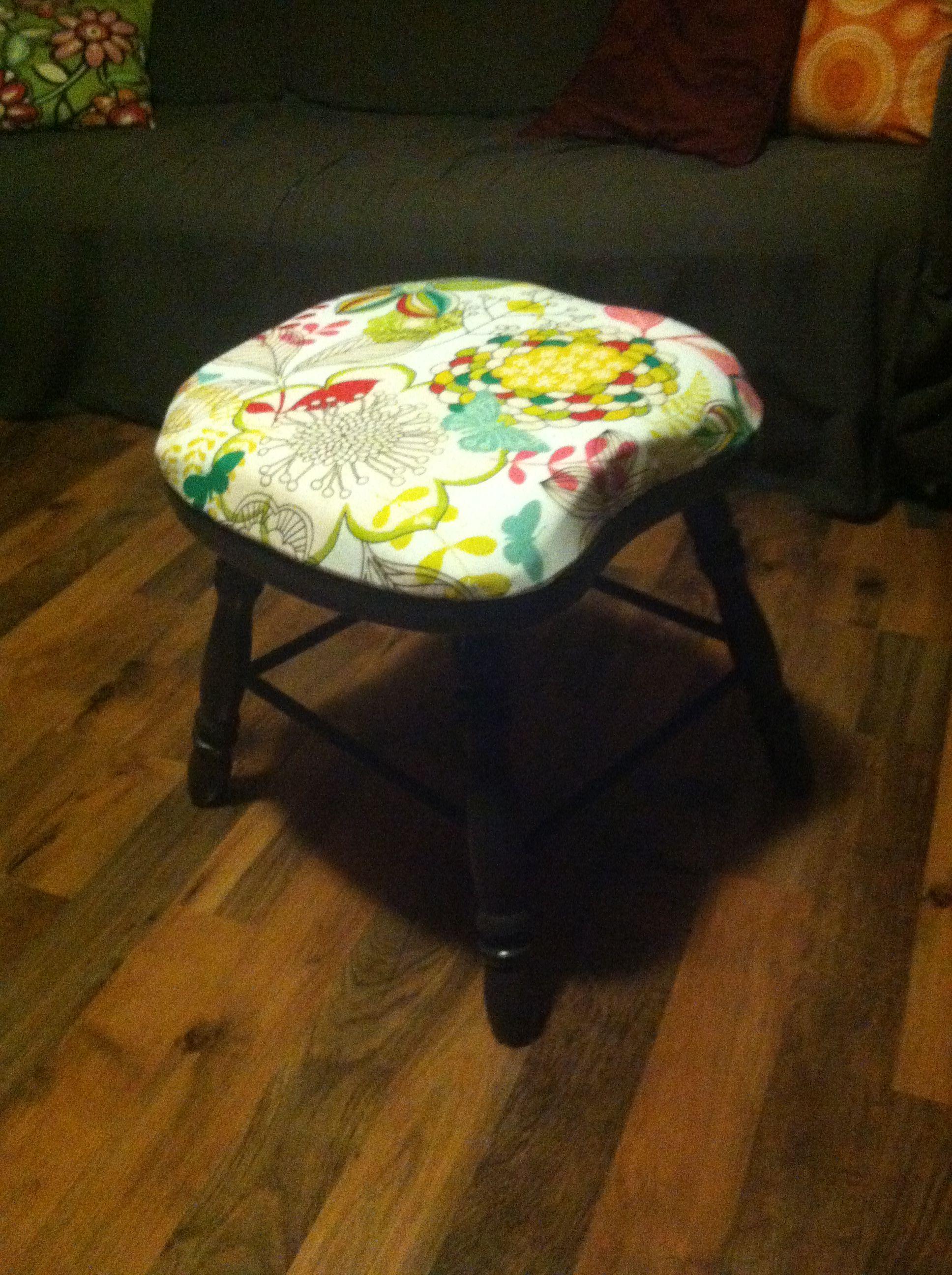 Vanity Stool Diy Stool: DIY Vanity Stool Made From A Broken Kitchen Table Chair