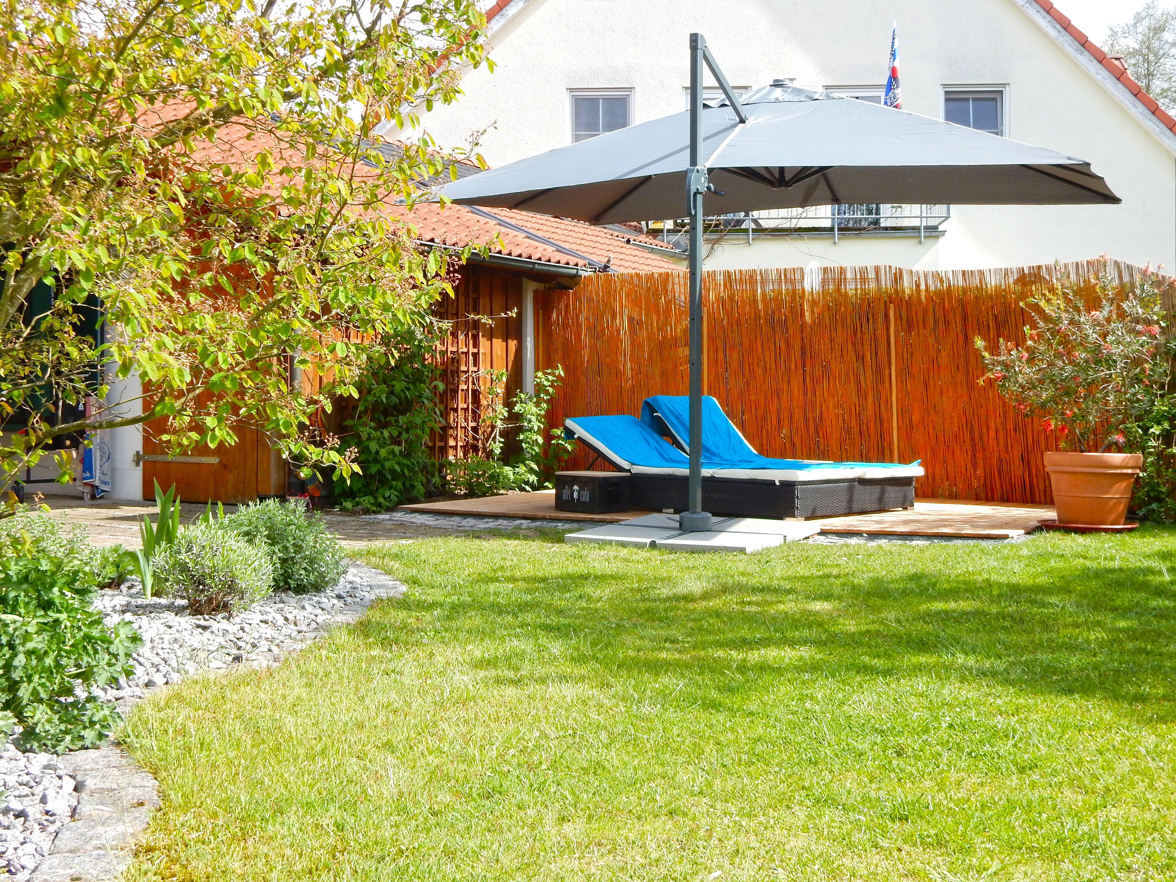 #sonnenschirm #wellness #erholung Mit unseren Sonnenschirmen werden Deine Stunden im Freien zum Genuss.